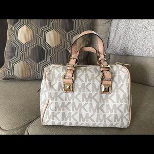 Michael Kors Bags - Michael Kors pocketbook barely used